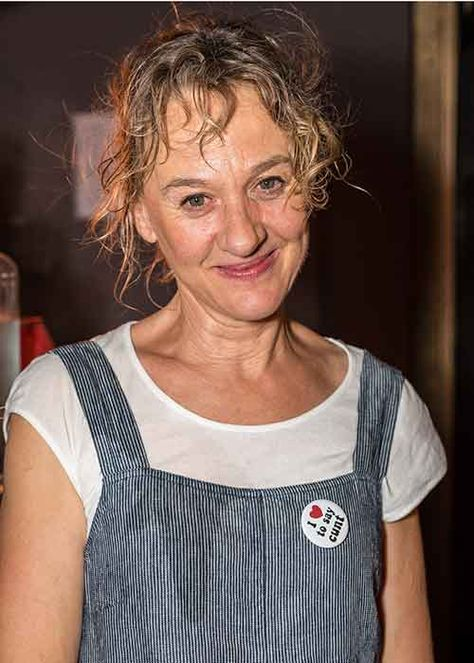 Irish actress Niamh Cusack prompts controversy wearing THIS provocative badge!
