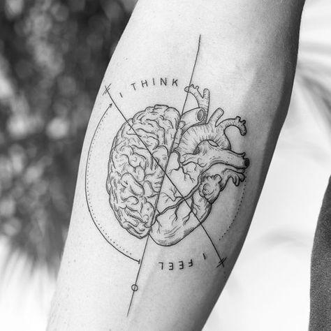 Tatuagem de coração anatômico -  #tattoo #tatuagem #tendência #hearttattoo  #tendência2019