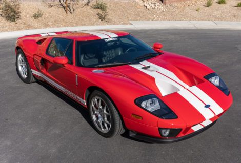 2k Mile 2005 Ford Gt Ford Gt Ford Classic Cars