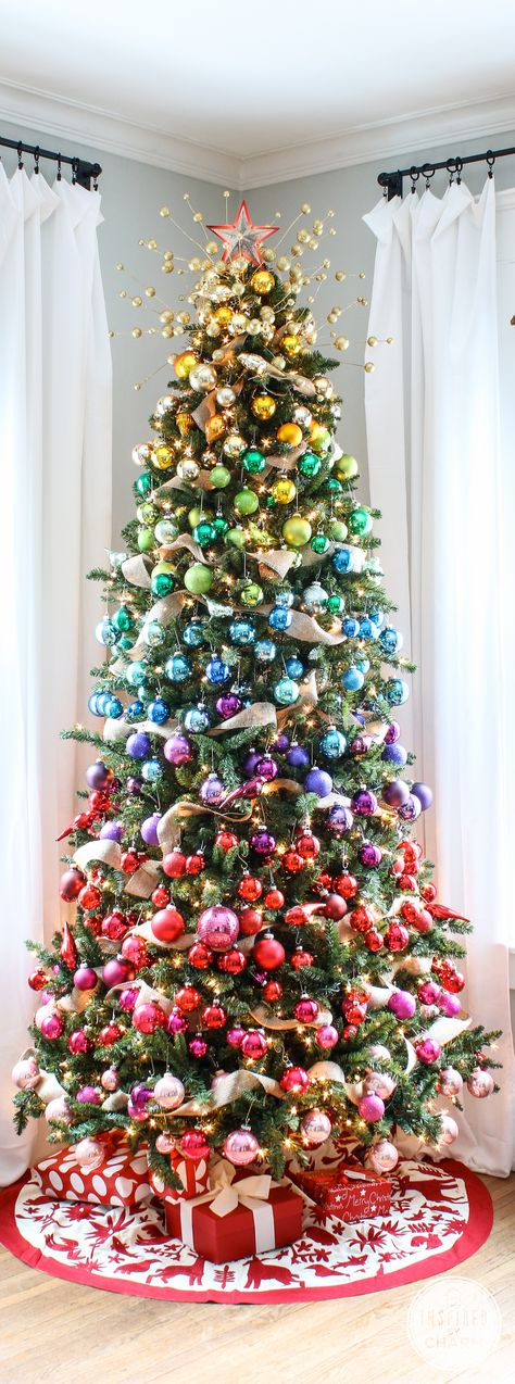 A Colorful Christmas Tree via @inspiredbycharm #gradient #christmas #tree