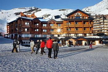 Close to Les Menuires and Val Thorens, guests at the Hotel Le Fitz Roy, Savoie have their pick of some of Europe's top skiing and snowboarding.