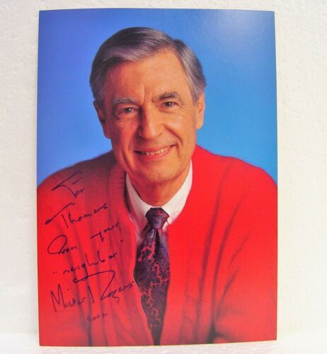Signed Fred Rogers Mr Rogers 5x7 Photo 2000 Mister Neighborhood Autograph Pbs Mr Rogers Fred Rogers Celebrities
