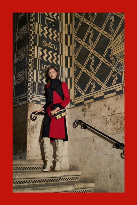 Gucci Pre-Fall 2018 Fashion Show Collection: See the complete Gucci Pre-Fall 2018 collection. Look 81