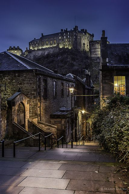 We stopped at every castle on our drive through England, Wales, and Scotland....Edinburgh Castle view from The Vennel, just off the Grassmarket.