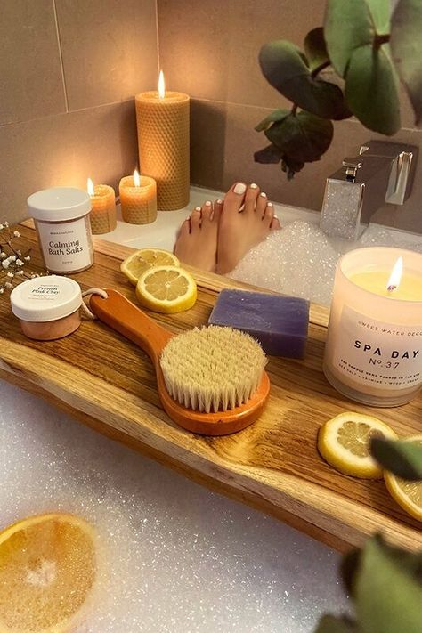 What You Need for the Perfect Self-Care Bubble Bath christie ferrari Bubble Bath Photography, Entspannendes Bad, Spiritual Bath, Amazon Beauty Products, Lush Products, Relaxing Bath, Hand Care, Self Care Routine, Schaum