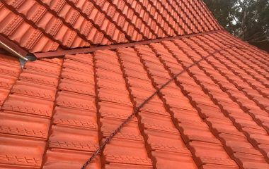 We Paint Roofs Of All Shapes Sizes Tiled Concrete And Colorbond Each Type Of Roof Has Particular Benefi Roof Paint Roof Cleaning Roof Restoration