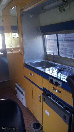 A Vendre Estafette Camping Car D Origine Caravelair Carte Grise Collection Vasp Joints De Fenetres Et Peintures A Revoir Vehi A Vendre Camping Camping Car