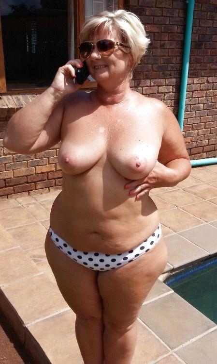 トプレスな成熟した女性の写真