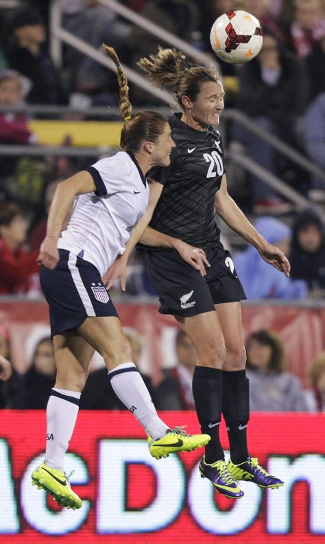 Wilkinson S Late Goal Gives Nzl 1 1 Draw With Us With Images Goals Wonder Woman Women