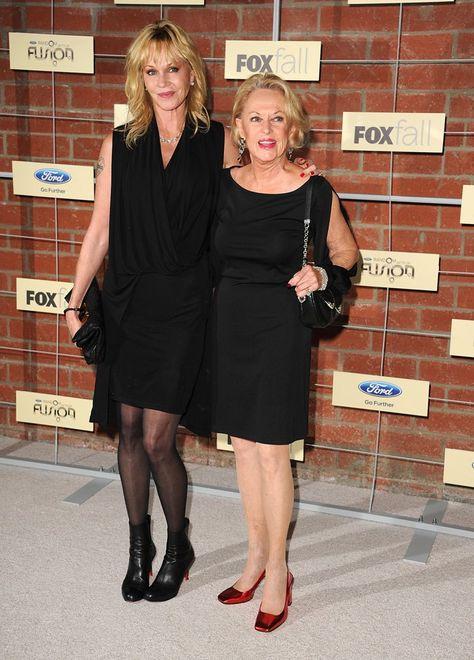 Pin for Later: Une Maman, S'est Sacré – Même Pour les Stars Melanie Griffith Melanie Griffith et sa maman, l'actrice Tippi Hedren, en Septembre 2012.