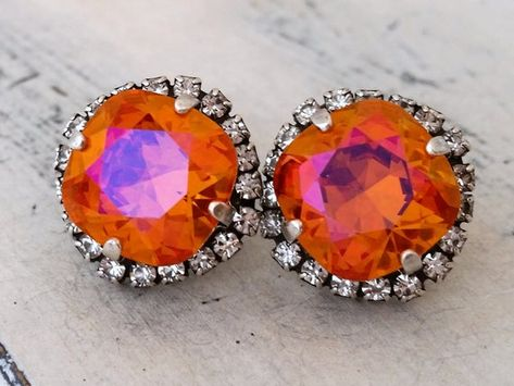 #weddings #jewelry #earrings #bridesmaidgift #bridalearrings #vintageearrings #bridesmaidsearrings #swarovskiearrings #statementearrings #crystalstudearring #weddingjewelry #orangestudearrings #oxidizedsilver #orangeearrings #orangewedding
