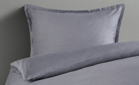 Como Damast Bettwasche Punktchen Gefunden Bei Mobel Hoffner
