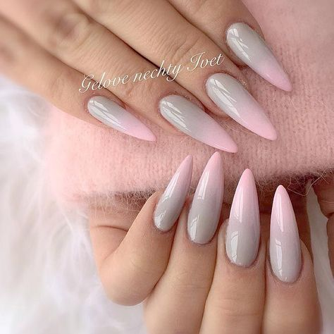 Pointy nails can look scary and dangerous if you do not know the ways to handle them. Fear no more, we know the best designs to tame this shape! #nails #nailart #naildesign #pointynails