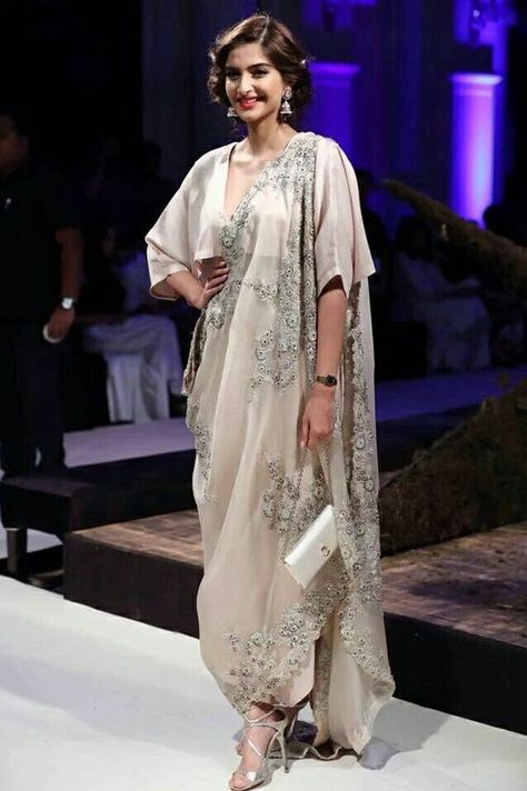 Drape Your Saree In Different Way -Awesomelifestylefashion .