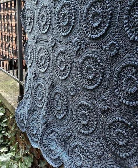 Versailles Matelass. Discover more Patterns by Independent Designer at LoveCrochet. We stock patterns, yarn, hooks and books from all of your favorite brands.