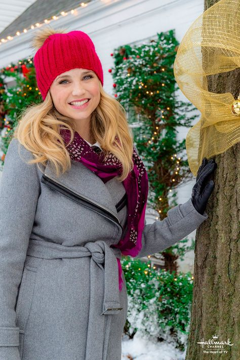 Christmas Next Door Fiona Gubelman Stars In Her First Countdown To