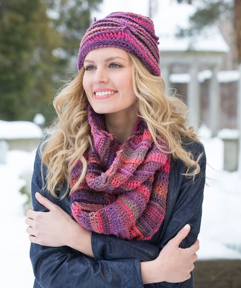 Free crochet pattern Hat and Cowl