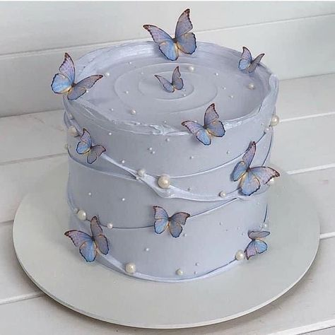 Pretty Birthday Cakes, Pretty Cakes, Cute Cakes, Beautiful Cakes, Amazing Cakes, Elegant Birthday Cakes, 18th Birthday Cake, Sweet Cakes, Designer Birthday Cakes