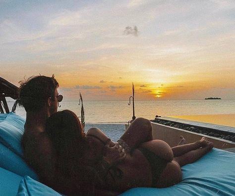 Perfect #sunset with bae ♥️ @vitalstuff.co Credits 📸 @_jamieallen_