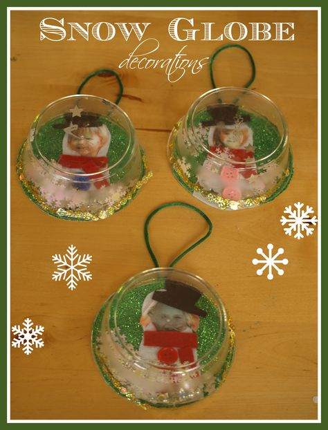 CUTE Christmas ornaments to make with the kids - mini snow globes with a snow man inside using their photo.