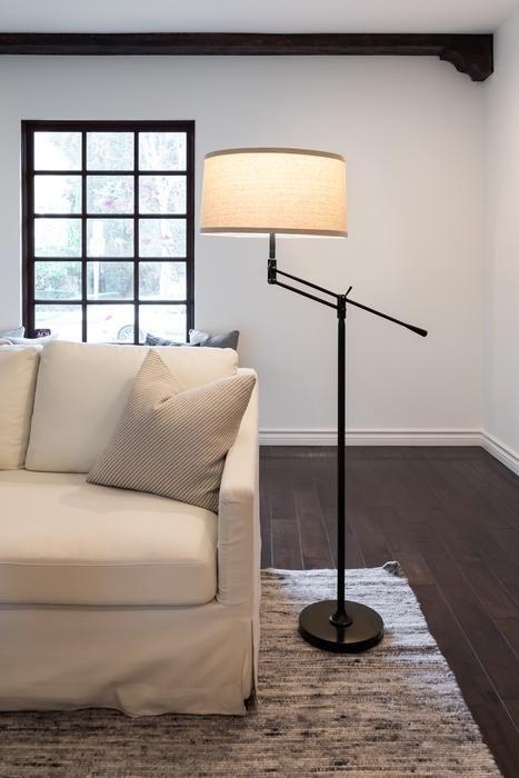 2020 的 Ava Led Floor Lamp For Living Rooms Bright Reading Downlight 主题