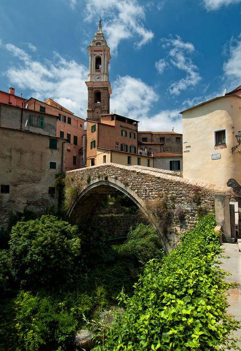 Dolcedo (Imperia) – Liguria,  Riviera dei Fiori #essenzadiriviera.com