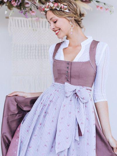 Limberry Cord Dirndl In Altrosa Mit Zwei Schurzen Toni Altrosa Mit Hellgrun Nachtblauer Schurze In 2020 With Images Fashion Vintage Dresses Outfits