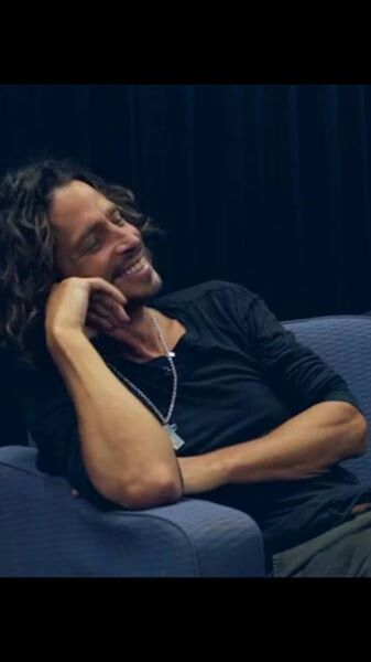 WOW! Chris Cornell - I think the mountains make a perfect headrest for this beautiful, blue eyed sky god!