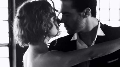 Tango Santa Maria - Sexy Tango - Music Video - HQ Audio Music is nice but this is more for your viewing pleasure ..lovely tango, sensual and emotionally stirring.