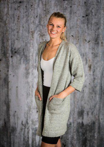 Gratis strikkeopskrifter   Strikket lang jakke   Fin strik
