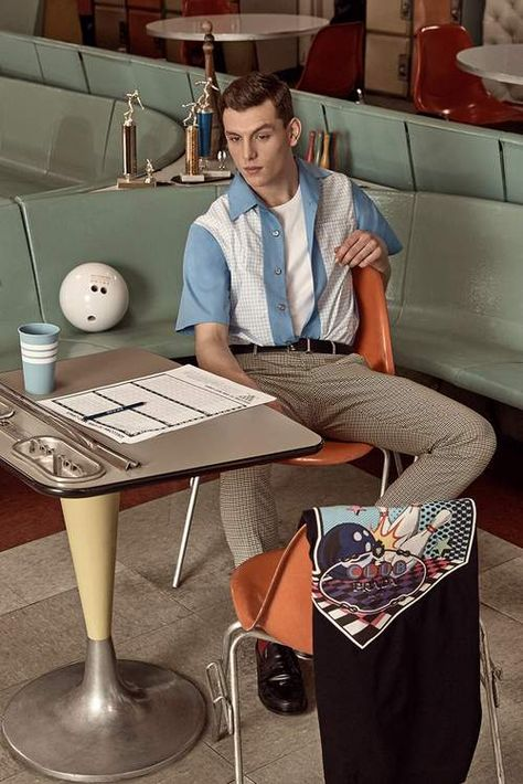 Time to get bowled over. The exclusive MR PORTER x PRADA capsule collection has landed. Bowling, 70s Fashion Men, Vintage Fashion, 1950s Mens Fashion Greaser, Retro Fashion 70s, Celebrities Fashion, Fashion History, Retro Men, Vintage Men