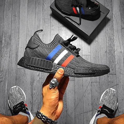 check out 8d8ce 0a8c6  kicks.guy Unboxing Adidas NMD R1 tricolor custom 👟🔥👌