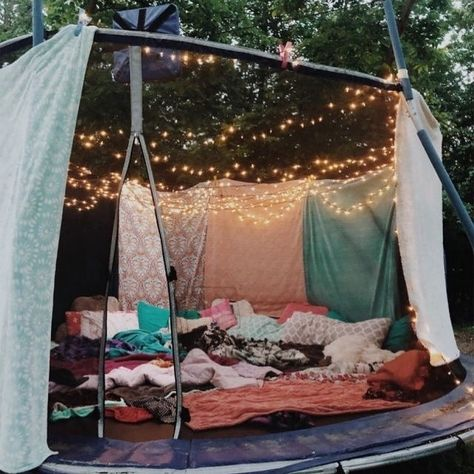 trampoline sleepover trampoline sleepover #vsco#tiktok#explorepage#explore#page#vscocute#girl#foru#foryou#foryoupage#trending#viral#crazy