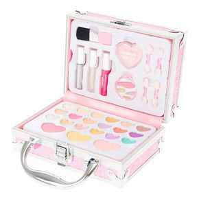 Shop Claire's for the latest trends in jewelry & accessories for girls, teens, & tweens. Find must-have hair accessories, stylish beauty products & more. Claire's Makeup, Makeup Toys, Cute Makeup, Kawaii Makeup, Little Girls Makeup, Little Girl Toys, Makeup Kit For Kids, Kids Makeup, Glitter Mascara