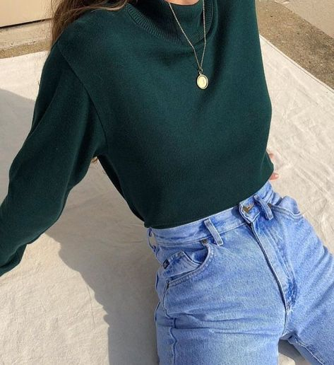 Polubienia: komentarze: 24 – Nordic Style Report ( n… – style – Women outfit ideas – ℒisa ℐemima – – Ohne Titel – Outfit Inspiration – Inspiration Ohne Outfit Titel Bow, it's Monday High waist Levi's 501 and a silk shirt. Cute Casual Outfits, Retro Outfits, Vintage Outfits, Semi Casual Outfit Women, Semi Formal Outfits For Women, Vintage Jeans, Fashion Vintage, Stylish Outfits, Look Fashion