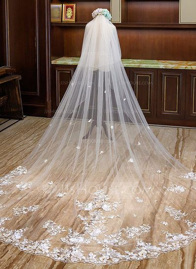 Us 98 00 Two Tier Lace Applique Edge Cathedral Bridal Veils With Lace Jj S House Long Veil Wedding Unique Wedding Veils Cathedral Bridal Veils