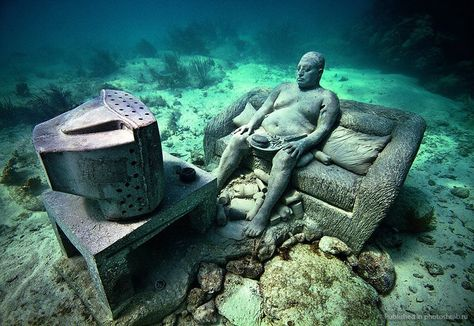 What do you think about this photo?  The Cancun Underwater Museum, built to draw some of the 750,000 yearly underwater adventurers away from the Manchones reef, has over 500 sculptures that have been sunk between 9 and 20 feet deep in a 1,600 square foot area. It creates an underwater playground for snorkelers and SCUBA divers alike! #OasisLovesU