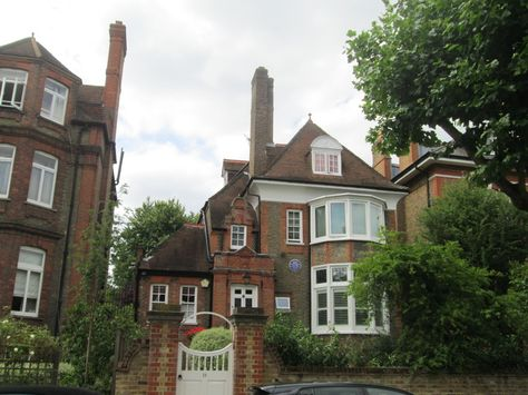 The home of cabaret singer Leslie Hutchinson from [wpbuttons ids=