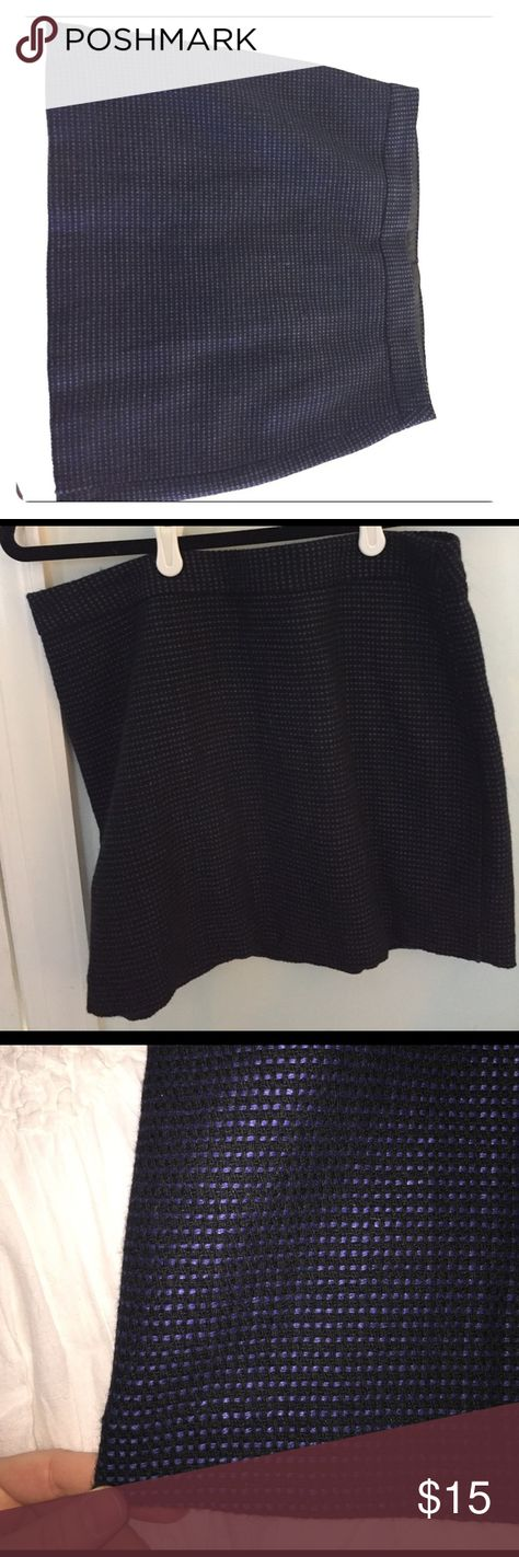 Gap blue/black tweed mini skirt Lightly worn. Size small. Shell of skirt is 48% wool, 27% flax. Lining is 100% polyester. Flattering shape. Hits slightly above mid thigh. GAP Skirts Mini