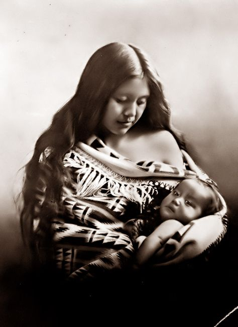 :::::::::: Vintage Photograph :::::::::  Native American Indian mother and child, 1905, Oregon