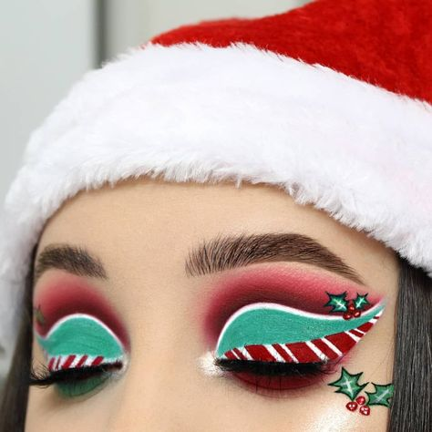 Fuentes legna xmas inspired makeup 🎄🍭 candy eyeshadows eye-look Christmas #MakeupIdeasBlueEyes