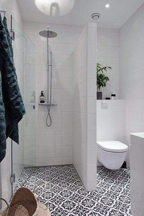 Simple Small Bathroom Decor Brings The Ease Inside Of It Small Bathroom Layout Bathroom Design Small Small Bathroom