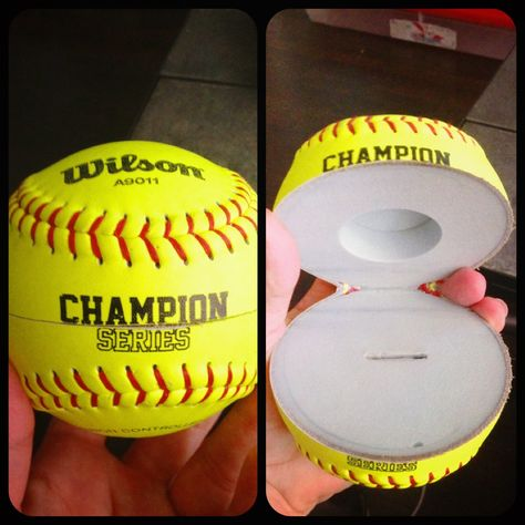 Proposal Ideas baseball Engagement Ring Boxes Frr all you baseball fans out there - How cute is this idea? Softball Memes, Softball Drills, Softball Crafts, Girls Softball, Softball Players, Fastpitch Softball, Softball Stuff, Softball Room, Softball Things