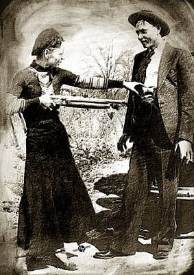 Painting Of Bonnie And Clyde Mock Hold Up Sepia By Tony Rubino Bonnie Clyde Bonnie N Clyde Bonnie Parker