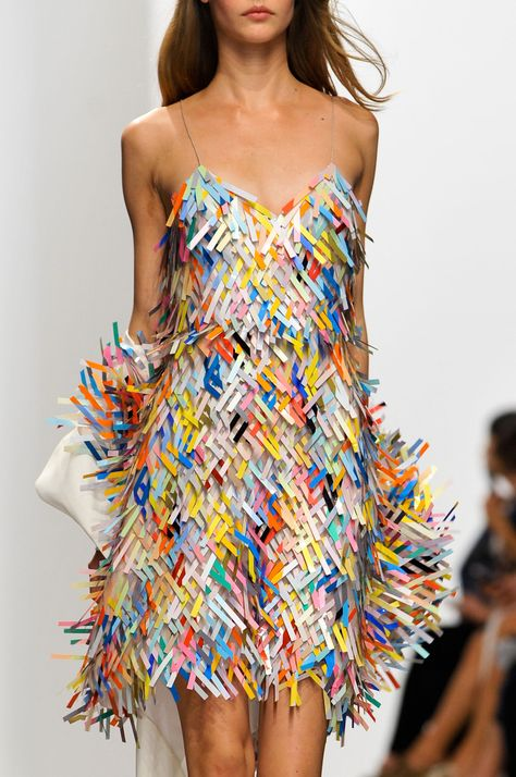 Hussein Chalayan at Paris Fashion Week Spring 2014 - Details Runway Photos