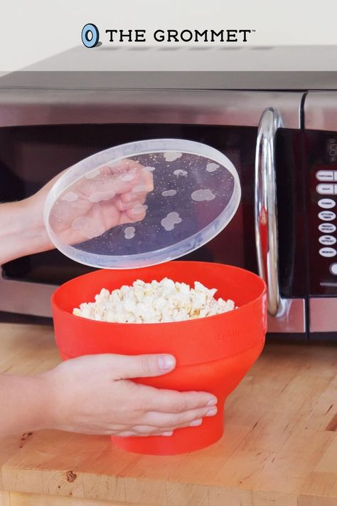 Popcorn lovers rejoice! Make microwave popcorn that's healthy and homemade in this soft, collapsible, silicone bowl. No saturated fats, worrisome additives, or microwavable bags.
