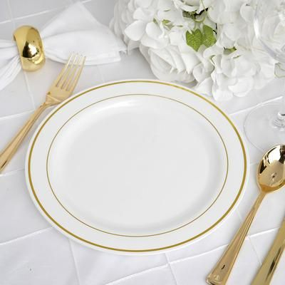 10 Pack 9 White Round Disposable Plastic Dinner Plates With Gold Rim In 2020 Clear Plastic Plates Plastic Dinnerware Dinner Plates