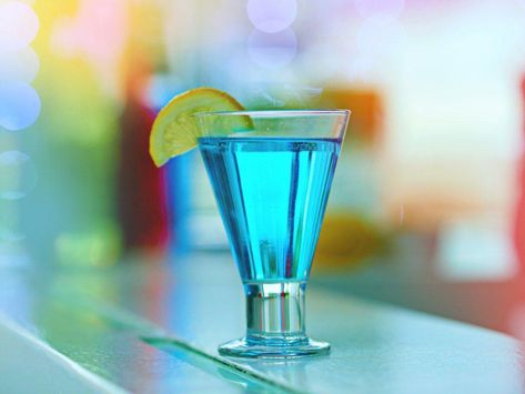 vodka, gin, rum, tequila, blue curacao liqueur, sweet and sour mix, soda (7-up, sprite) #tequilacocktails