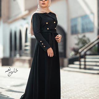 عبايه شمواه في كريب كلوش من تحت متوفر جميع المقاسات جمله وقطاعي Taken By Medoz Ph Designer Somaya Nema Model Tansnem Summer Coll Fashion Hijab