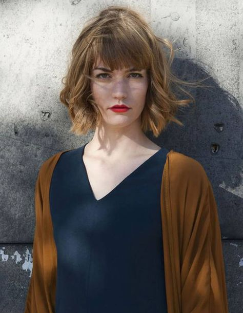 0f1818e8421 Un carré wavy et tressé - Cheveux wavy   les 30 plus belles photos Pinterest  - Elle